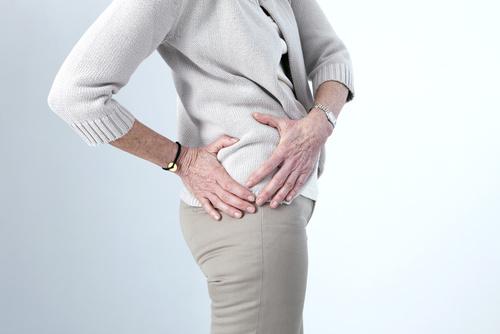 douleurs de la hanche droite nécessitant une prothèse totale de hanche en Dordogne